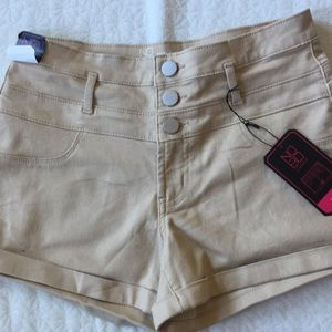 Shorts 😀